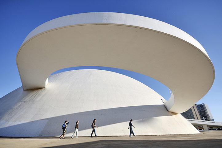 Le musée national de Brasilia - oscar niemeyer