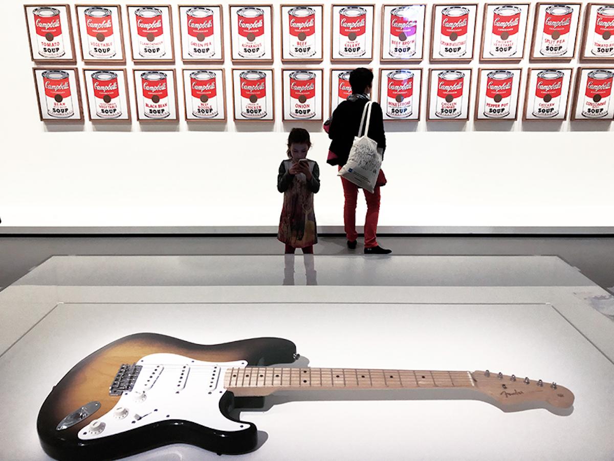 Fondation-Louis-Vuitton-MOMA-Warholguitar-1